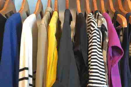 capsule-wardrobe-colorful